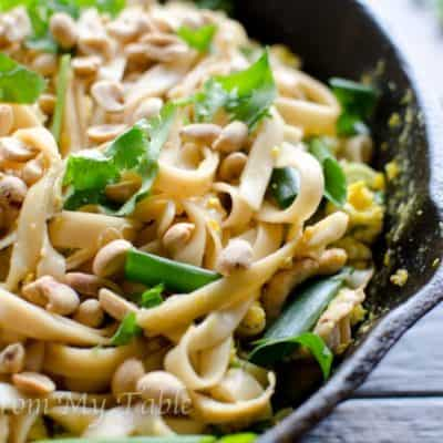 Healthy Vegetable Pad Thai {w/peanuts & cilantro}