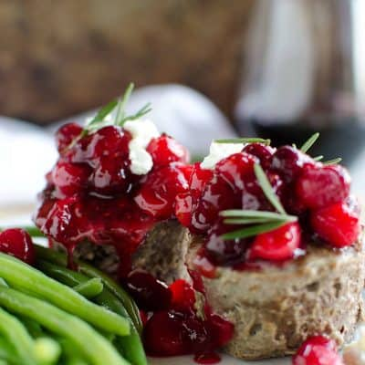 Mini Cheese Stuffed Meatloaf Cups {with cranberry topping}