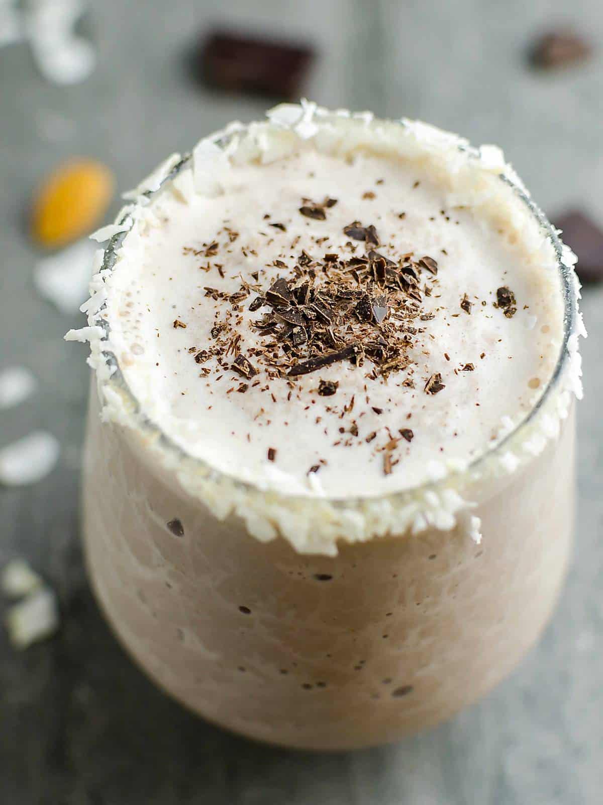 healthy almond milk smoothie